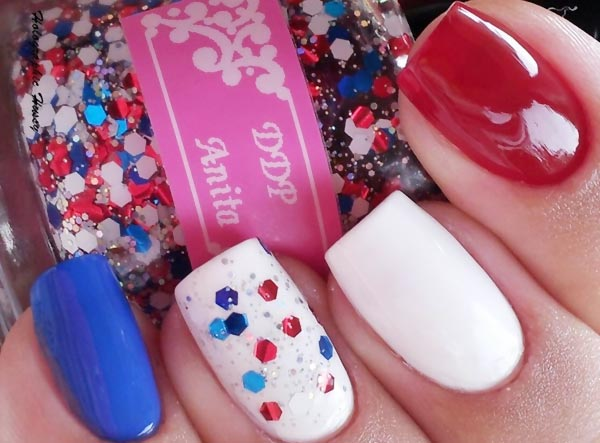 blue-red-white-glitter-4thofjuly-nails