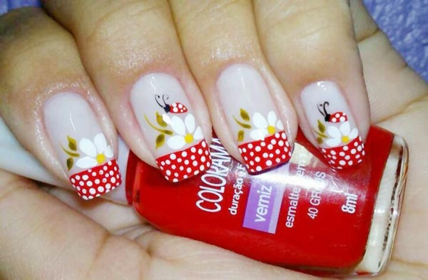 flowers-ladybugs-dotted-french-nails