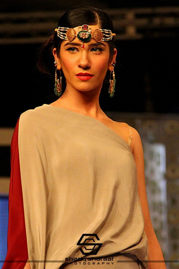 Stunning-Malihas-Jewellery-Collection-at-Bridal-Couture-Week (14)