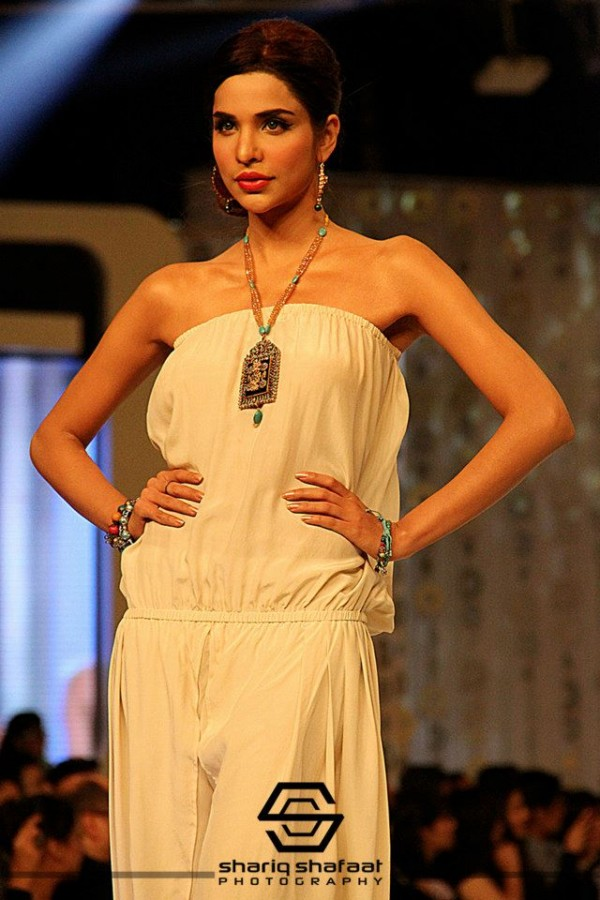 Stunning-Malihas-Jewellery-Collection-at-Bridal-Couture-Week (3)