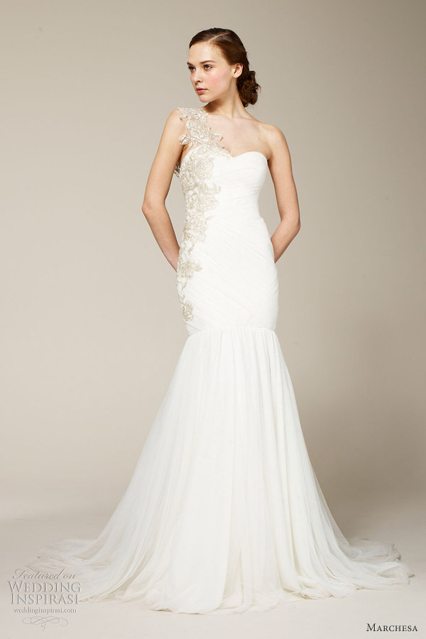 marchesa-spring-2012-one-shoulder-gown