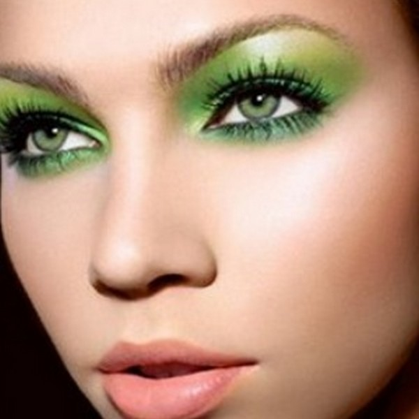 Perfect-Green-Eyes-Makeup