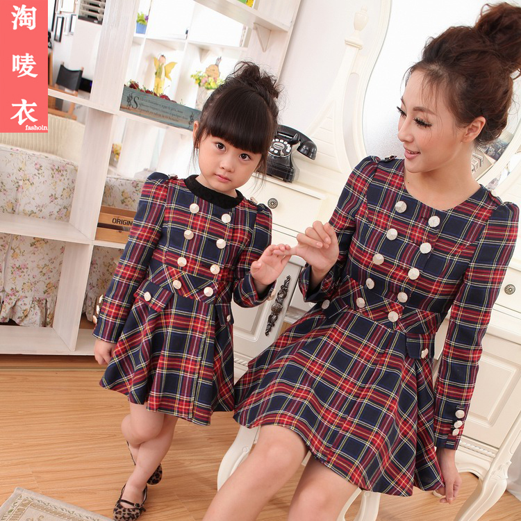 Winter-clothes-for-mother-and-daughter (2)