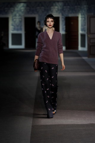 Louis-Vuitton-Fall-Winter-2013.14-Womenswear-Collection-14a