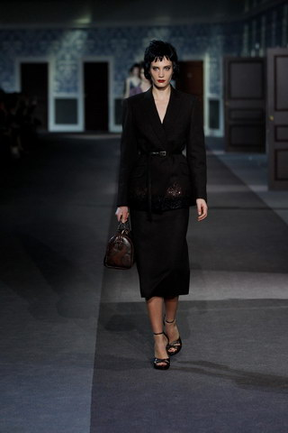 Louis-Vuitton-Fall-Winter-2013.14-Womenswear-Collection-25a