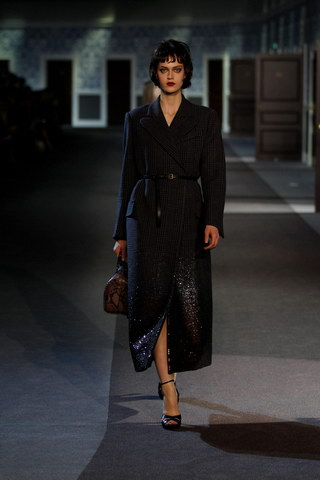 Louis-Vuitton-Fall-Winter-2013.14-Womenswear-Collection-27a
