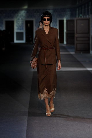 Louis-Vuitton-Fall-Winter-2013.14-Womenswear-Collection-33a