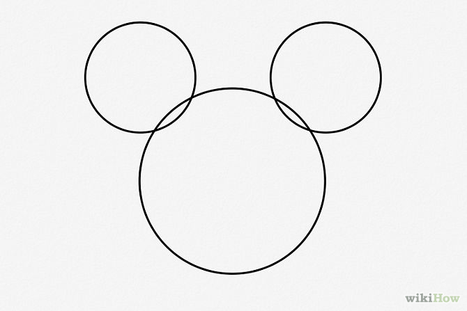 Draw-Mickey-Mouse-Step-2