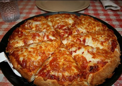 Pizza with meat sauce