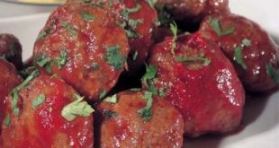 Meatballs with cumin and tomato sauce