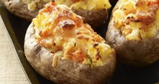Potatoes stuffed with meat
