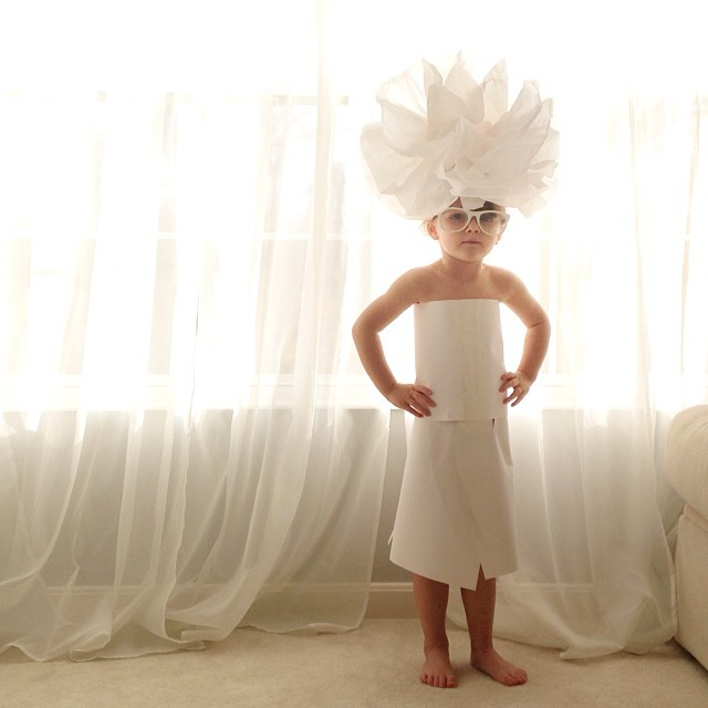 4-year-old-girl-paper-dresses-2sisters-angie-mayhem-19