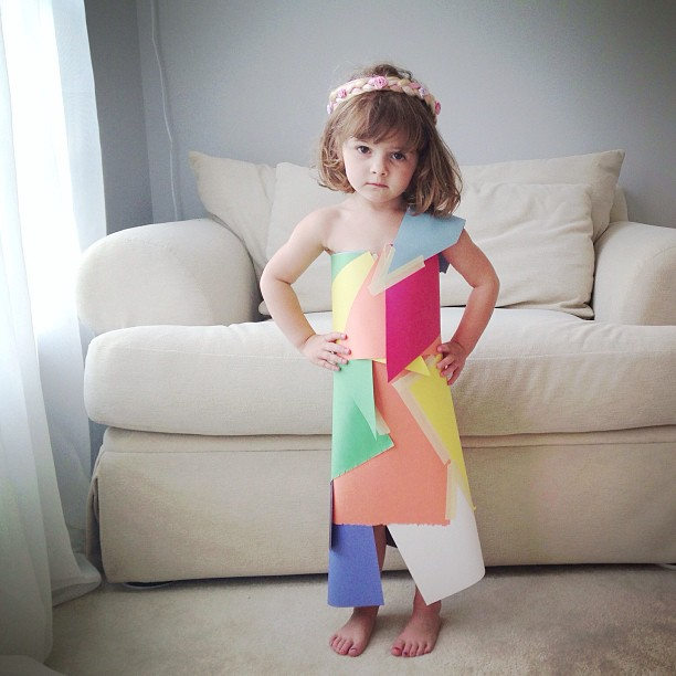 4-year-old-girl-paper-dresses-2sisters-angie-mayhem-2