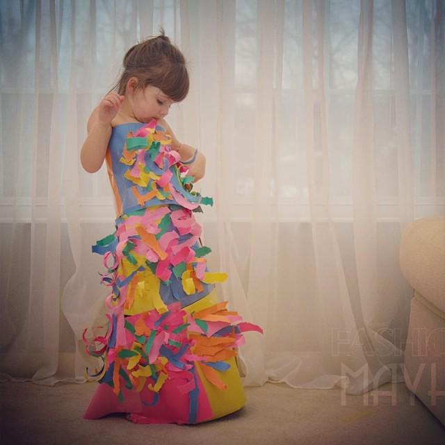 4-year-old-girl-paper-dresses-2sisters-angie-mayhem-3