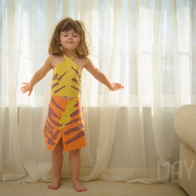 4-year-old-girl-paper-dresses-2sisters-angie-mayhem-32