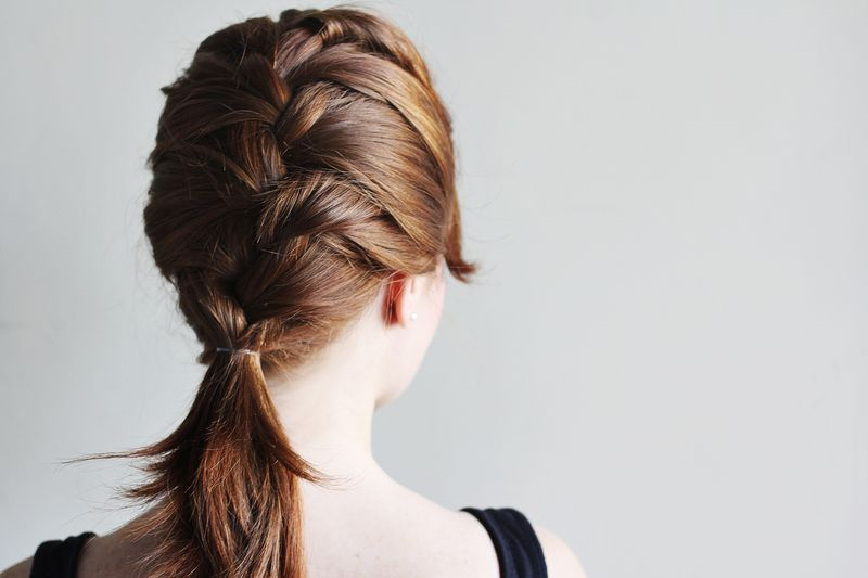 how-to-style-a-classic-french-braid (2)