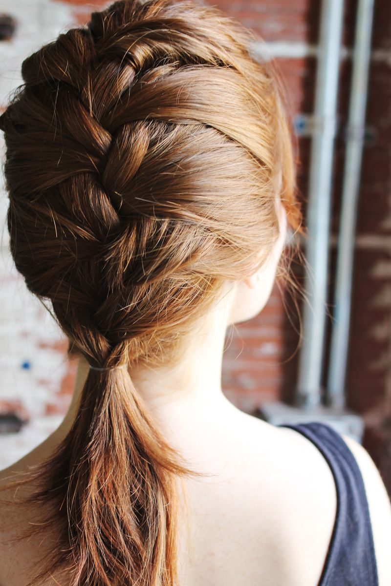 how-to-style-a-classic-french-braid (4)