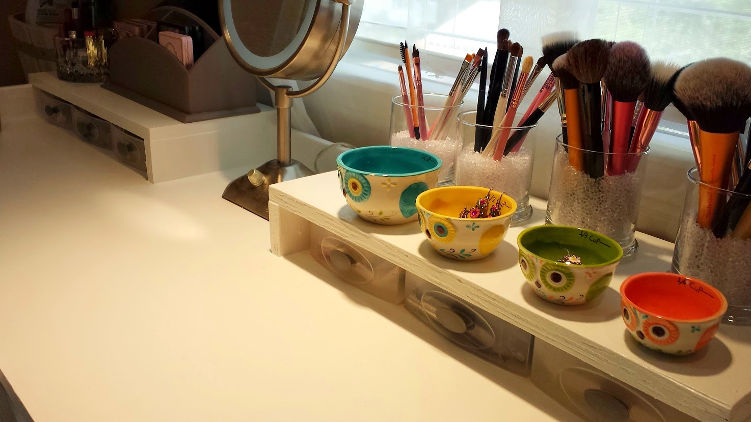 Makeup-Storage-Ideas (12)