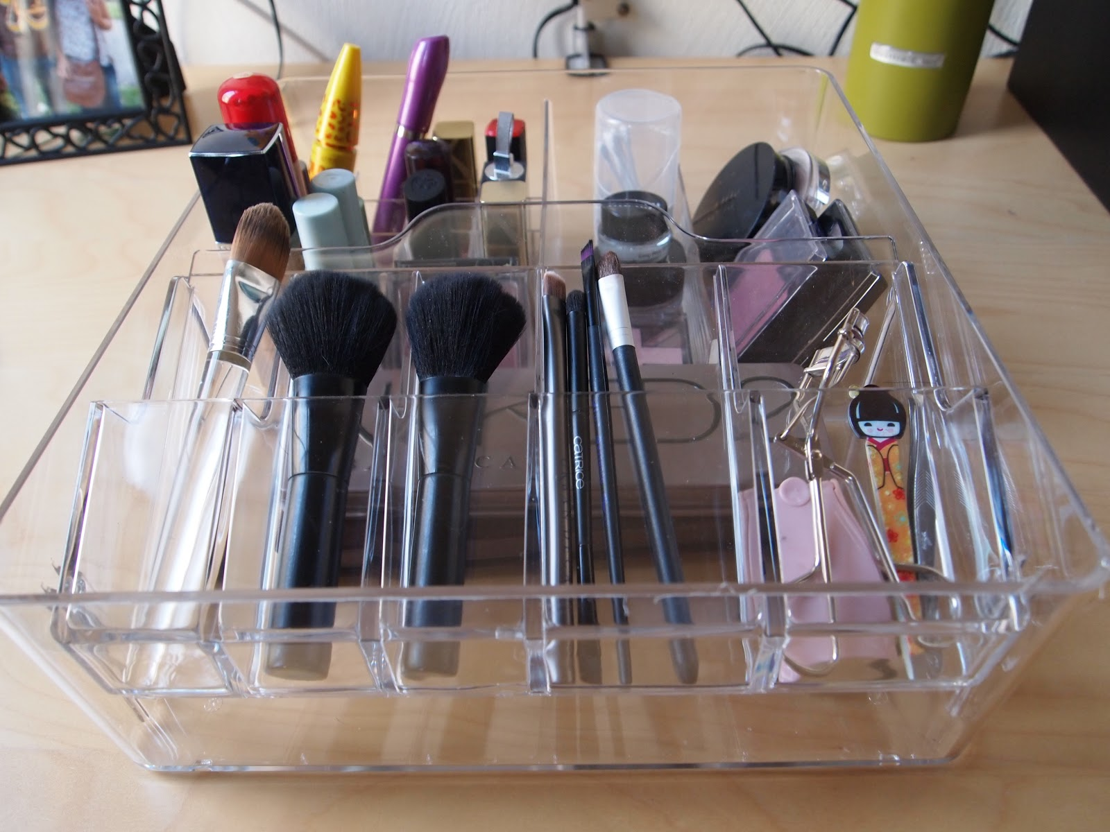 Makeup-Storage-Ideas (13)