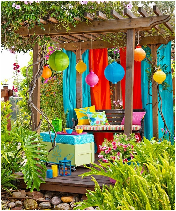 15 Cheerful Ideas to Add Color to Your Garden (13)