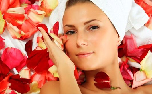 Face-Mask-with-rose-petals