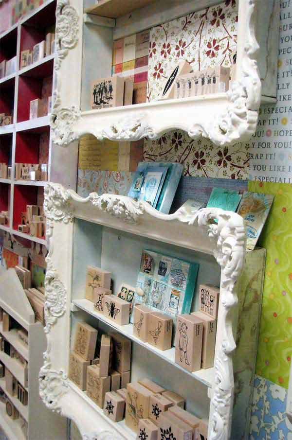 ways-to-use-old-pictures-frames-into-home (12)