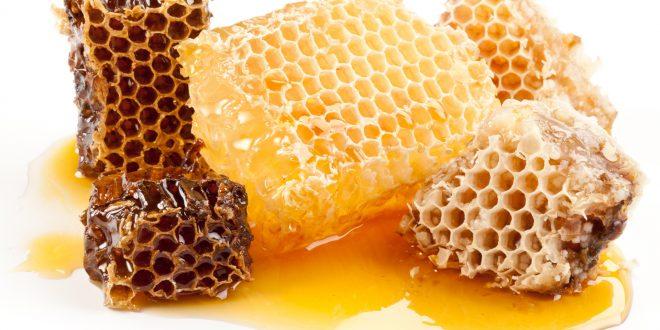 وصفة العسل والقرفة لبشرة نضرة هذا الخريف